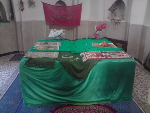 نمای داخلی بقعه امامزاده سید فخرالدین و سید جلالالدین روستای ساران دماوند