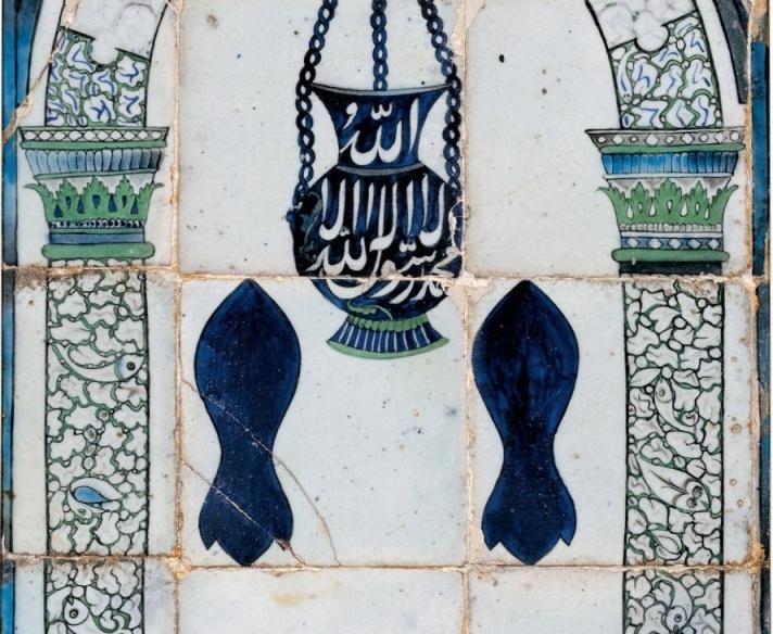 d804e00bc جامع الدرويشية أو درويش باشا كما عُرف متأخراً جزء من مجمّع معماري بمدينة  دمشق، يتألف من جامع ومكتب وسبيل ماء ومدفن يضمّ ضريح مؤسسه.